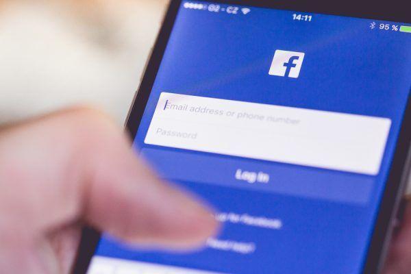stalkear en Facebook